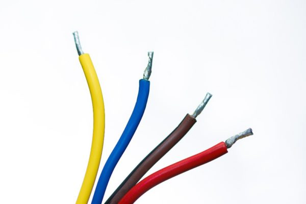 criteres-de-choix-des-cables-pour-haut-parleurs